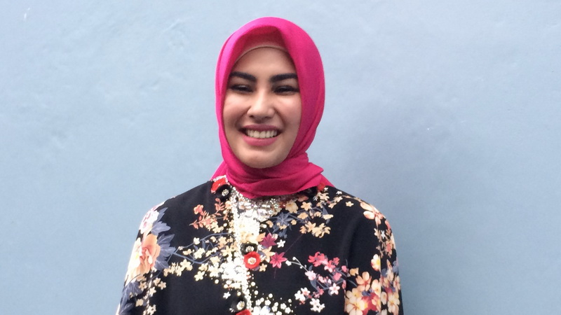 Https Img Z Okeinfo Net ContentTiga Tujuh Putuskan Kartika Putri