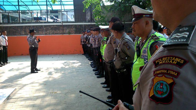 Jelang Pendaftaran Gugatan JR-Ance, Pengamanan di Kantor Bawaslu Sumut Diperketat