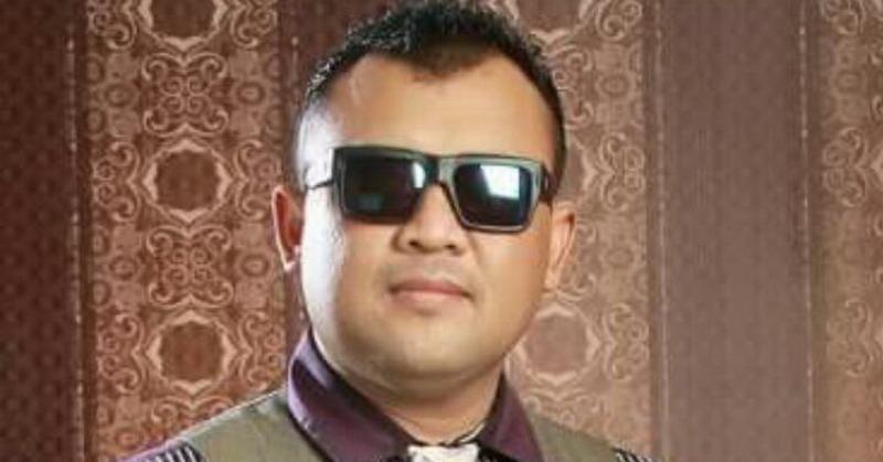 https: img.okezone.com content 2018 02 20 205 1862075 berkah-lagu-suara-hati-eddy-law-rajin-konser-di-malaysia-wtmOpLU5Np.jpg