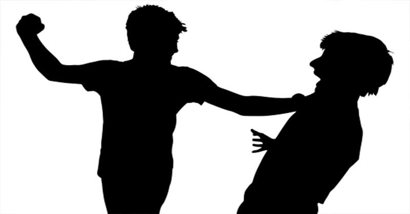 https: img.okezone.com content 2018 02 20 519 1862018 usai-penyerangan-pemuka-agama-polda-jatim-intensif-razia-orang-gila-vkekso4xMA.jpg