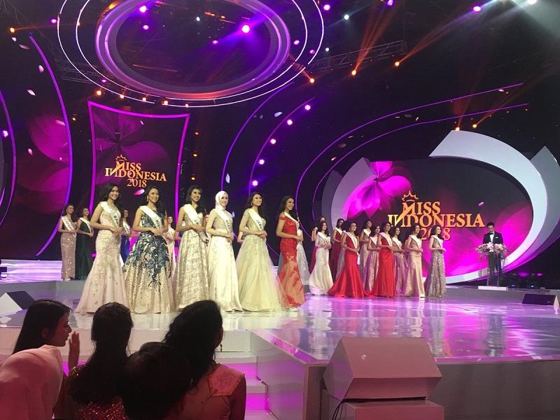 https: img.okezone.com content 2018 02 22 194 1863452 ini-dia-6-finalis-pemenang-fast-track-miss-indonesia-2018-5hZEGBcFov.jpg