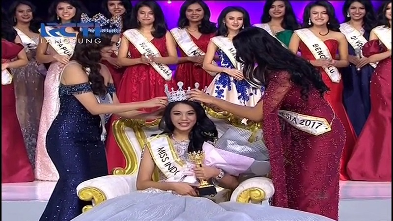 https: img.okezone.com content 2018 02 23 194 1863528 terpilih-sebagai-miss-indonesia-2018-alya-nurshabrina-rasanya-seperti-mimpi-c8APEsT8ky.jpg