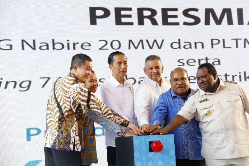 https: img.okezone.com content 2018 02 23 320 1863603 presiden-jokowi-percepat-pembangunan-berkesinambungan-di-papua-Thz6R7zj3r.jpg