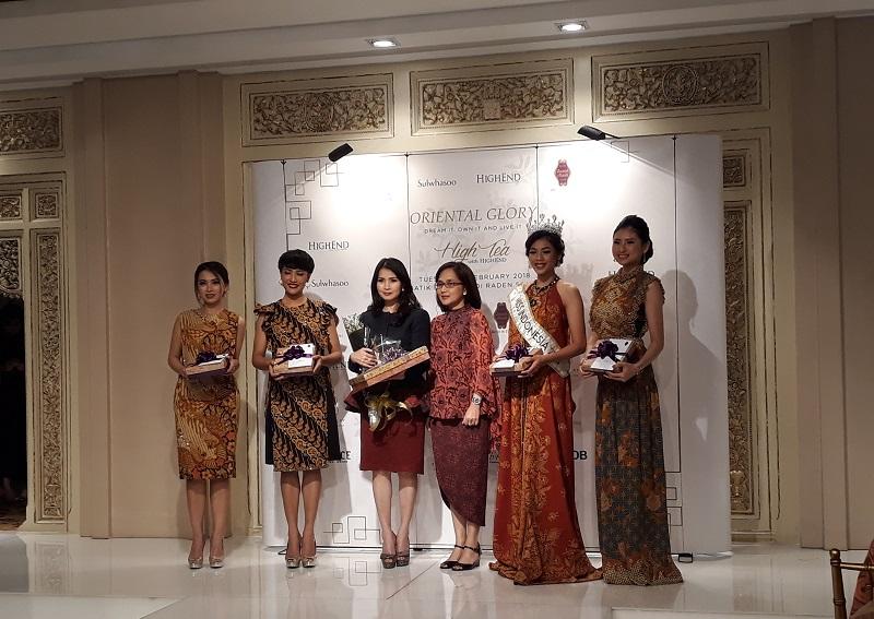 https: img.okezone.com content 2018 02 27 194 1865552 keseruan-high-tea-with-highend-bertema-oriental-glory-dihadiri-miss-indonesia-2018-U7XG19Fyjc.jpg