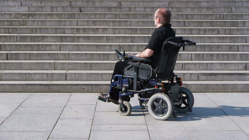 https: img.okezone.com content 2018 02 27 56 1865612 abad-ke-17-kursi-roda-banyak-digunakan-oleh-orang-kaya-7oFkwWHv2n.jpg