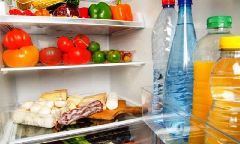https: img.okezone.com content 2018 03 01 298 1866463 8-makanan-yang-sebaiknya-tak-disimpan-dalam-freezer-kulkas-7SGnxAOjdH.jpg