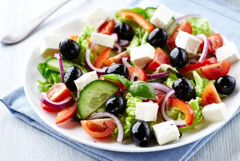 https: img.okezone.com content 2018 03 06 298 1868714 5-tips-mudah-membuat-olahan-salad-yang-lezat-dan-sehat-HBAzCVBVKg.jpg