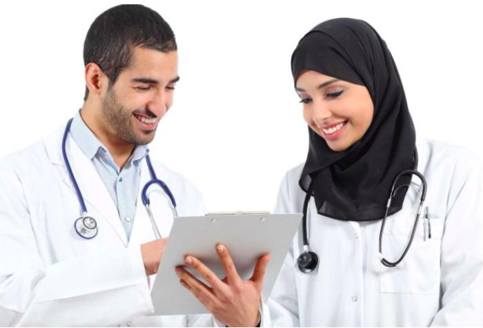 Kisah Dokter yang Ditolak Kerja karena Berhijab