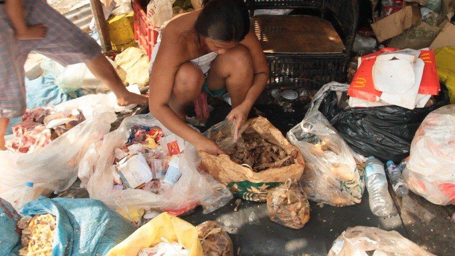 Jangan Jijik Orang Miskin Filipina Makan Daging Yang Didapat Dari