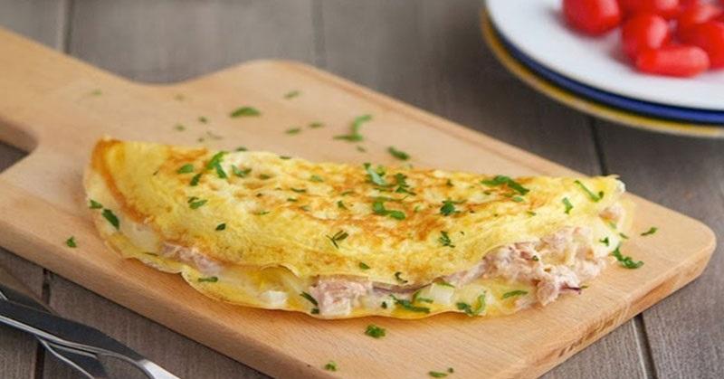 https: img.okezone.com content 2018 03 07 298 1869247 menu-sarapan-sehat-dan-praktis-dengan-omelet-tuna-dan-tahu-brokoli-08WkjrKIne.jpg