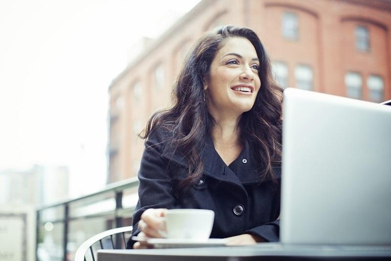 https: img.okezone.com content 2018 03 08 196 1869705 hari-perempuan-internasional-menteri-yohana-berharap-lebih-banyak-lagi-wanita-berperan-dalam-pembangunan-4NRNKD5h2k.jpg