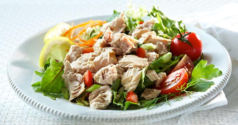 https: img.okezone.com content 2018 03 08 298 1869834 telur-dadar-daging-salad-tuna-paduan-pas-untuk-sarapan-cbHz8UNj1k.jpg