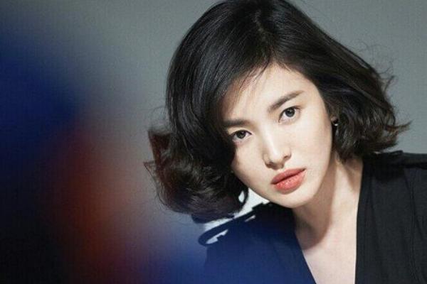 https: img.okezone.com content 2018 03 08 33 1869454 10-aktris-cantik-korea-yang-miliki-bayaran-tertinggi-X90YFitfcw.jpg