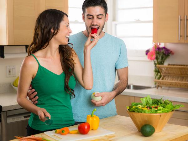 https: img.okezone.com content 2018 03 11 196 1871018 mau-tahu-cara-pasangan-introvert-berkencan-ini-5-diantaranya-tetap-seru-kok-IiEywqNcGa.jpg