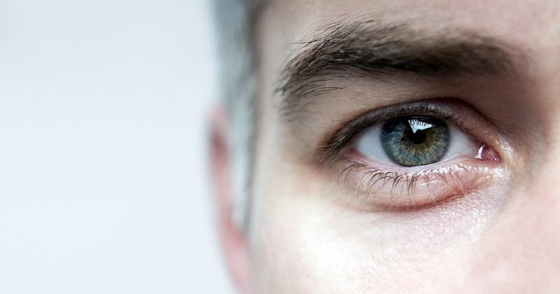 https: img.okezone.com content 2018 03 12 481 1871530 waspadai-glaukoma-penyakit-yang-sebabkan-kerusakan-mata-permanen-f2dXB6e3Jv.jpeg