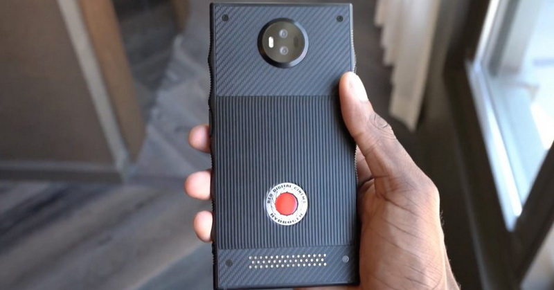 https: img.okezone.com content 2018 03 12 57 1871646 spesifikasi-smartphone-red-hydrogen-one-hingga-instagram-dan-snapchat-blokir-giphy-9JKpRnngv8.jpg