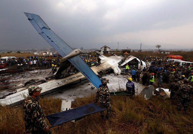 https: img.okezone.com content 2018 03 13 18 1872014 sebelum-jatuh-di-nepal-pesawat-maskapai-bangladesh-bergetar-hebat-BNXnYryeZT.JPG