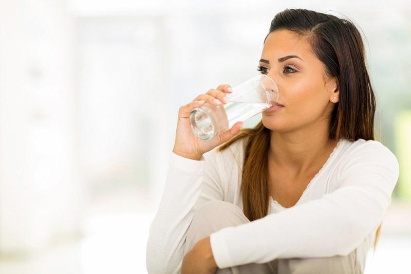 5 Alasan Rutin Minum Air Hangat Bikin Kulit Cantik Tanpa Cela Okezone Lifestyle