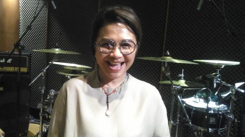 https: img.okezone.com content 2018 03 18 205 1874314 spesial-ruth-sahanaya-jadi-penyanyi-indonesia-yang-konser-di-dewan-filharmonik-malaysia-obS5RF8KLF.jpg