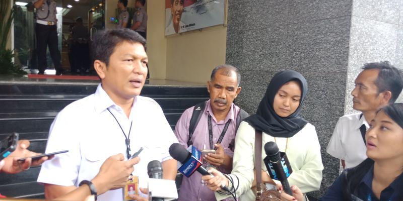 https: img.okezone.com content 2018 03 21 338 1875763 selidiki-kasus-skimming-polda-metro-jaya-kerahkan-anggota-keliling-indonesia-ZrHHPeem2a.jpg
