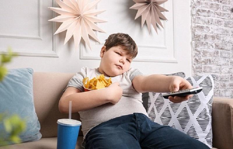 https: img.okezone.com content 2018 03 21 481 1875884 peneliti-ungkap-anak-dari-keluarga-miskin-saat-ini-gemuk-tapi-tak-sehat-tRritx8W4t.jpg