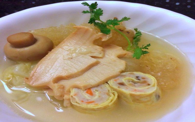 https: img.okezone.com content 2018 03 22 298 1876605 sarapan-sehat-lezat-dengan-sup-dadar-gulung-plus-cumi-jagung-muda-LznDXmys7j.jpg
