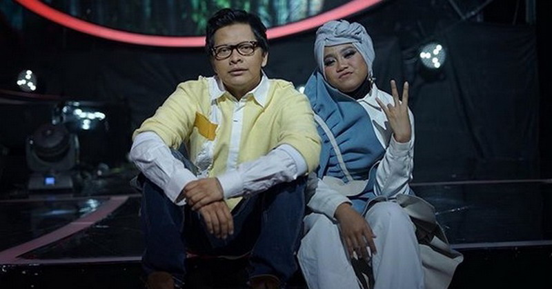 https: img.okezone.com content 2018 03 23 205 1876833 armand-maulana-mulai-lirik-ayu-sebagai-teman-duet-84xronRjId.jpg