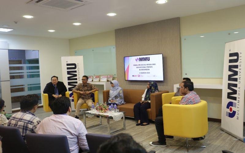 https: img.okezone.com content 2018 03 23 65 1877071 umb-dan-mmu-gelar-seminar-tourism-and-social-media-V9OBrKYeGW.jpg