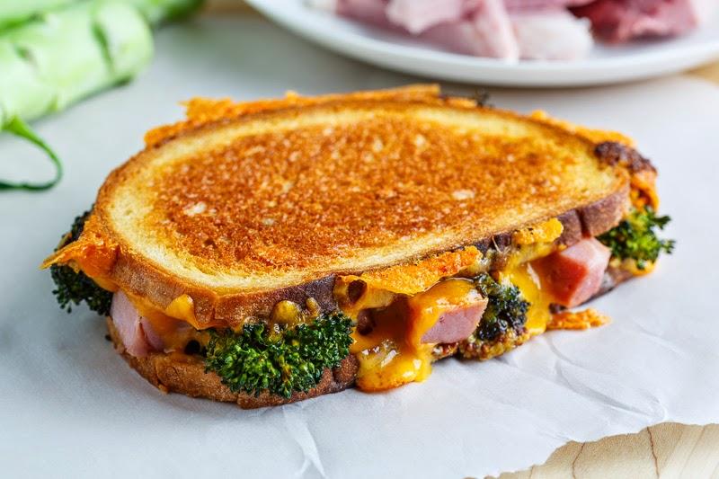 https: img.okezone.com content 2018 03 26 298 1878189 orak-arik-telur-brokoli-atau-brokoli-panggang-keju-2-menu-sarapan-gugah-selera-2DgjiwOyip.jpg