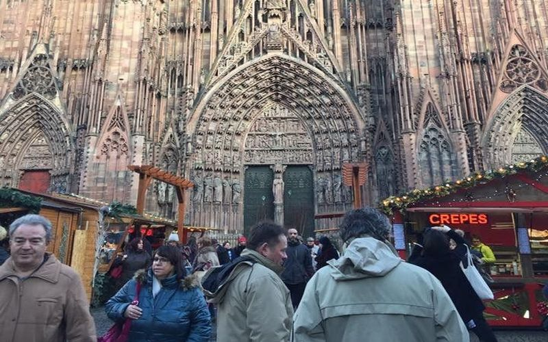 https: img.okezone.com content 2018 03 26 406 1877747 katedral-pink-alami-yang-memukau-tempat-wisata-wajib-dikunjungi-hEyMkvRCZA.jpg