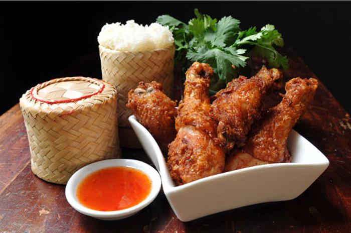https: img.okezone.com content 2018 03 27 298 1878673 ayam-penyet-spesial-ayam-goreng-saus-thailand-untuk-sarapan-keluarga-CrxhM4Cs5k.jpg