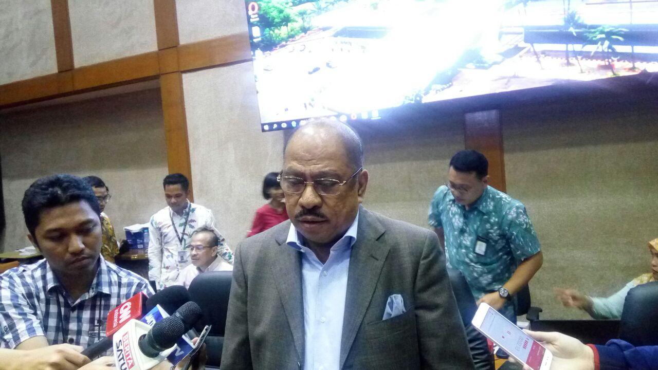 https: img.okezone.com content 2018 03 28 20 1879310 dpr-minta-pimpinan-baru-bank-indonesia-lebih-greget-bQXgfiPMKH.jpg