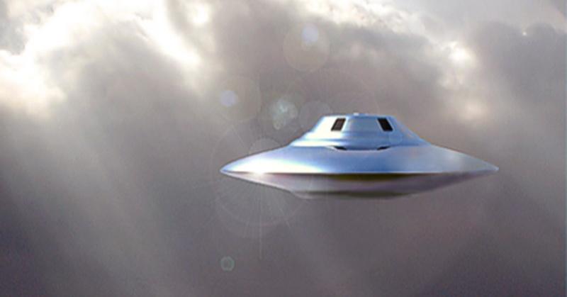 https: img.okezone.com content 2018 03 28 56 1879299 dua-pilot-laporkan-penampakan-ufo-di-arizona-X14qIu9g8j.jpg