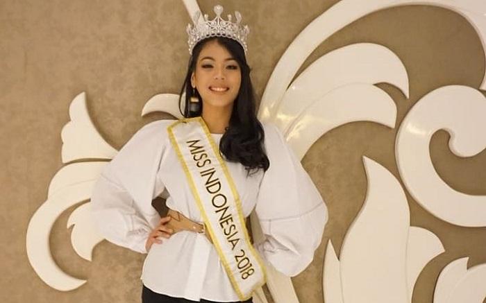 https: img.okezone.com content 2018 04 03 194 1881479 miss-indonesia-2018-alya-nurshabrina-akan-lebih-vokal-suarakan-kepedulian-terhadap-autisme-bV2676tAYQ.jpg