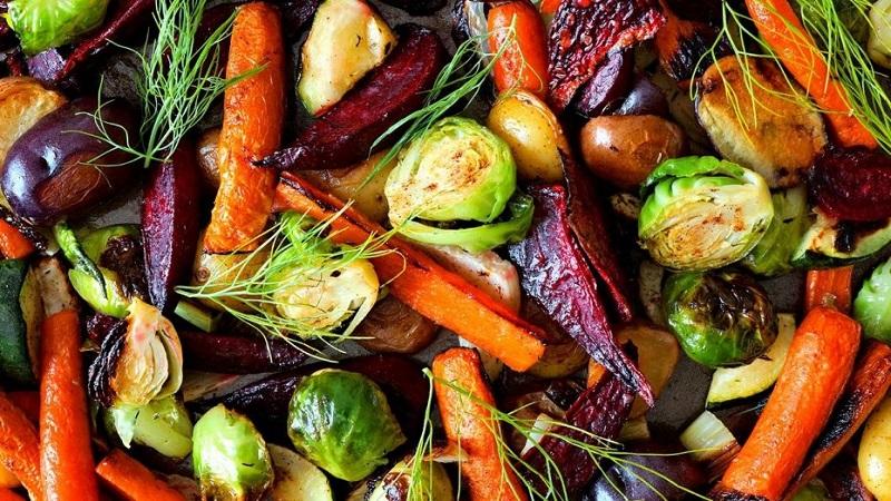 https: img.okezone.com content 2018 04 03 298 1881508 7-trik-memanggang-sayuran-yang-tepat-seperti-juru-masak-profesional-AI1ye26ORx.jpg