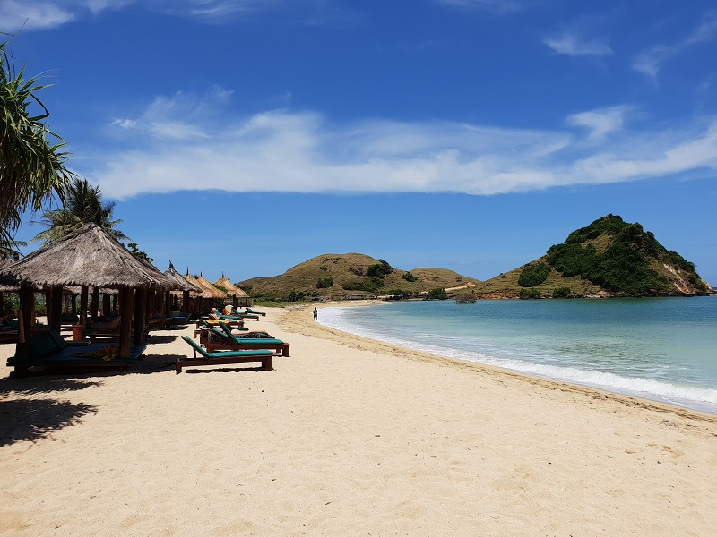 Image result for pantai kuta lombok