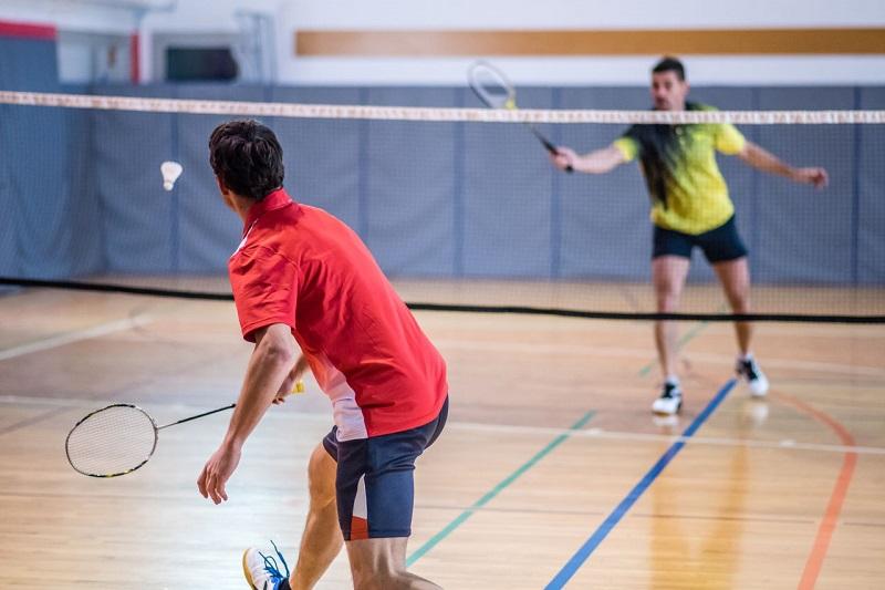 https: img.okezone.com content 2018 04 03 481 1881442 olahraga-badminton-dapat-menurunkan-tekanan-darah-tanpa-obat-lz5wREseUX.jpg
