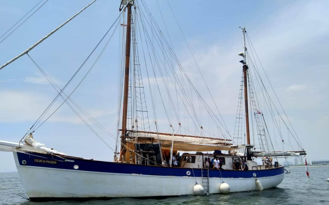 https: img.okezone.com content 2018 04 04 18 1881968 keliling-dunia-kapal-penyapu-ranjau-swiss-singgah-di-jakarta-KHHjUYFgfe.jpeg