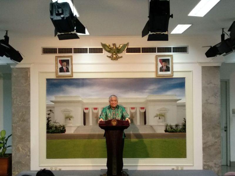 https: img.okezone.com content 2018 04 05 337 1882476 temui-jokowi-din-syamsuddin-laporkan-persiapan-acara-ktt-cendekiawan-muslim-dunia-di-istana-bogor-0HUCy5fvy1.jpg