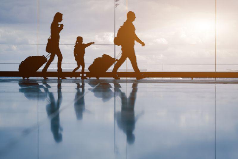 https: img.okezone.com content 2018 04 05 340 1882402 alasan-pembangunan-bandara-internasional-bali-utara-dilakukan-di-atas-laut-D9UAPaG2Ad.jpg