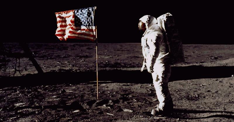 https: img.okezone.com content 2018 04 08 56 1883862 lulus-uji-kebohongan-astronot-buzz-aldrin-ungkap-kehidupan-alien-di-luar-angkasa-CSgu6bVtru.jpg