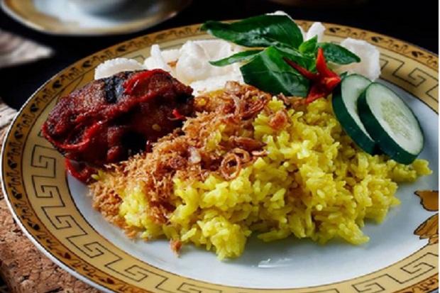 Nasi Kuning Khas Ambon Harum Rampa Namanya Okezone Lifestyle