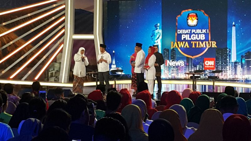 Khofifah-Emil Dinilai Lebih Unggul di Debat Publik Perdana Pilgub Jatim