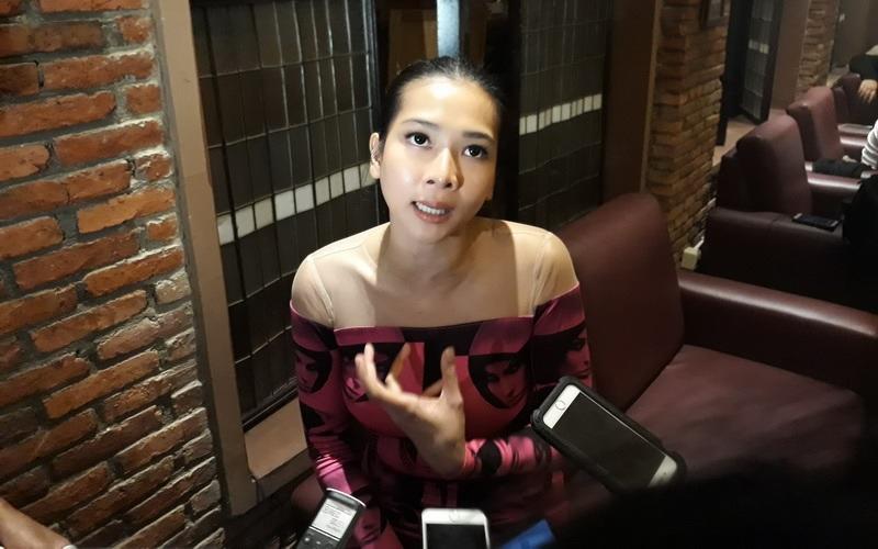 https: img.okezone.com content 2018 04 13 33 1886375 tinggal-di-singapura-dita-anggraeni-mey-chan-tegaskan-tak-ganti-kewarganegaraan-exY3GToSf2.jpg