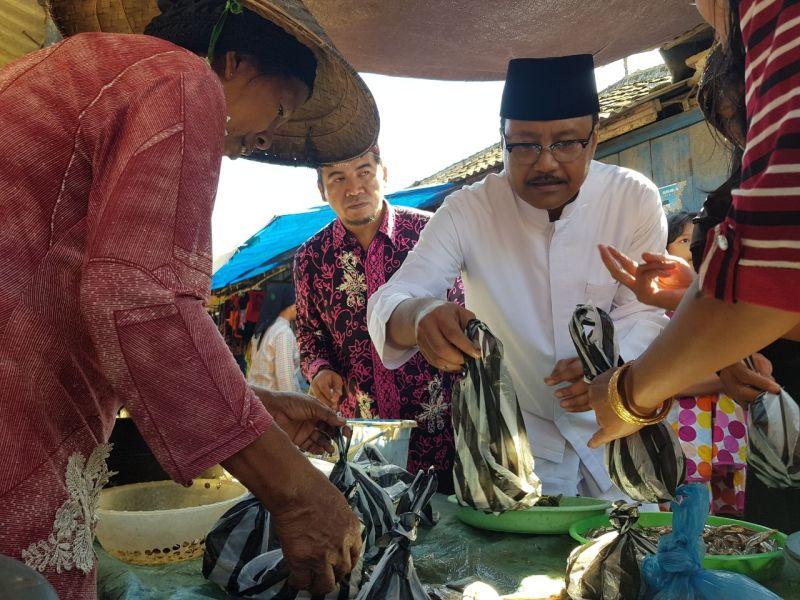 Gus Ipul-Puti Janji Bakal Beri Asuransi Bagi Nelayan Jawa Timur
