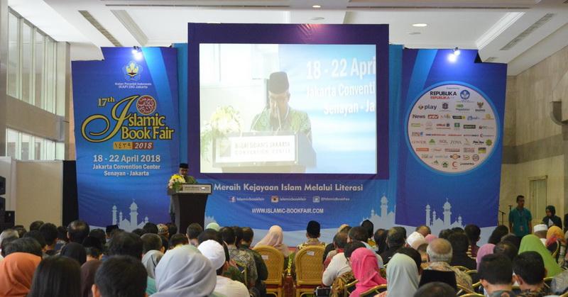 https: img.okezone.com content 2018 04 18 207 1888361 tingkatkan-kemampuan-literasi-bangsa-mnc-play-berpartisipasi-di-islamic-book-fair-2018-pLb9g8DNjn.jpg