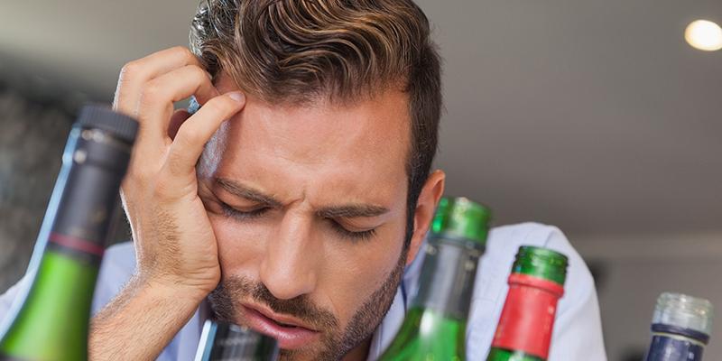 https: img.okezone.com content 2018 04 18 481 1888078 sering-mabuk-mabukan-bisa-perpendek-umur-5-tahun-ini-buktinya-l6v2UzlKSj.jpg