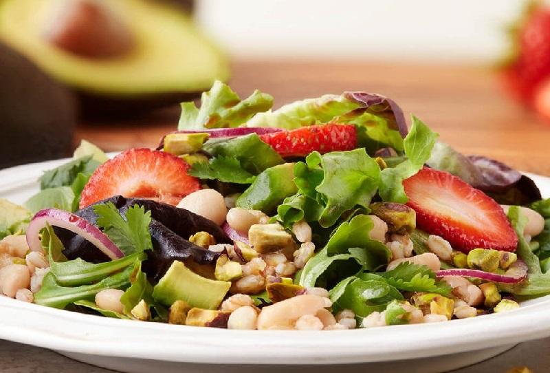 https: img.okezone.com content 2018 04 18 481 1888279 makan-salad-cegah-orang-jadi-tidak-mudah-cemas-pVGJMDdQHd.jpg