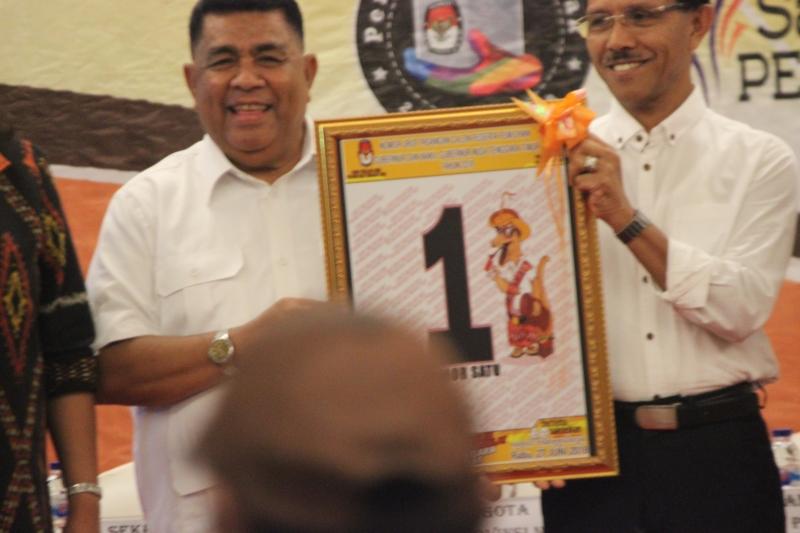 Pasangan Esthon-Chris Canangkan Program Dana Rp500 Juta untuk Bangun Desa di NTT