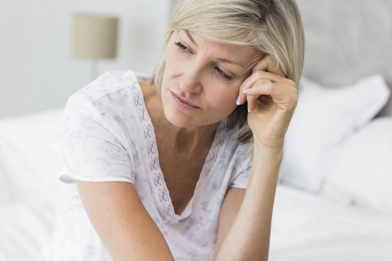 https: img.okezone.com content 2018 04 20 481 1889273 fase-menopause-waspada-penyakit-alzheimer-dan-autoimun-Fm34CE6ySg.jpg